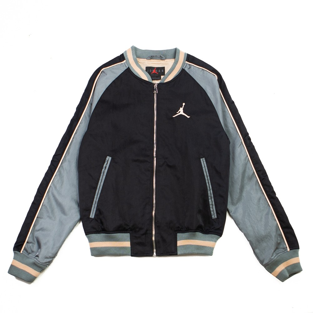 Jordan Remastered Souvenir Jacket (Black/Smoke Grey/Bio Beige)
