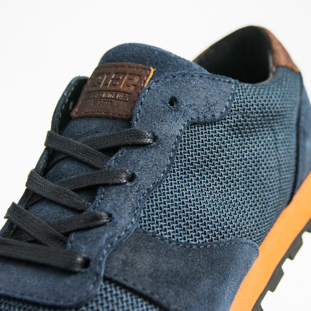 Hayward (Deep Navy Waxed)