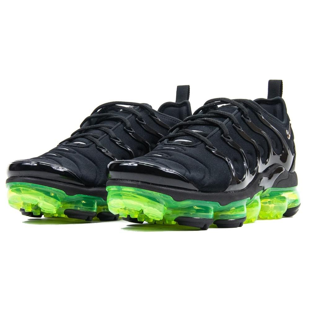 Air Vapormax Plus (Black/Volt)