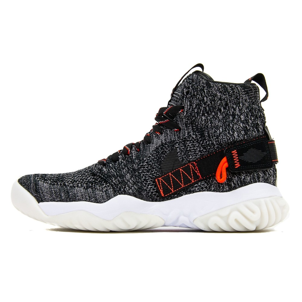 Jordan Apex-React (Black/Atmosphere Grey/Sail)