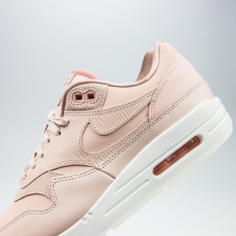 WMNS Air Max 1 PRM (Particle Beige)