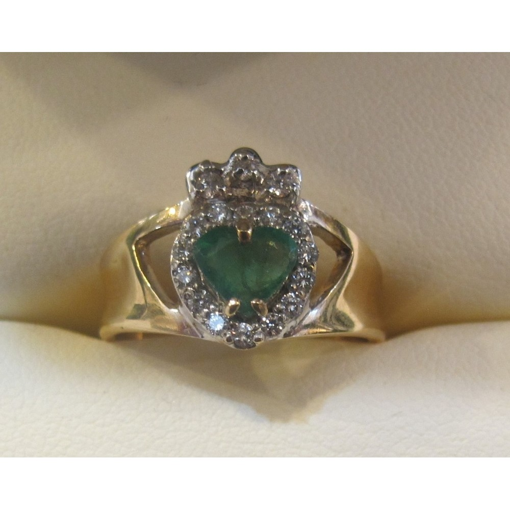Yellow Gold Emerald Claddagh Ring