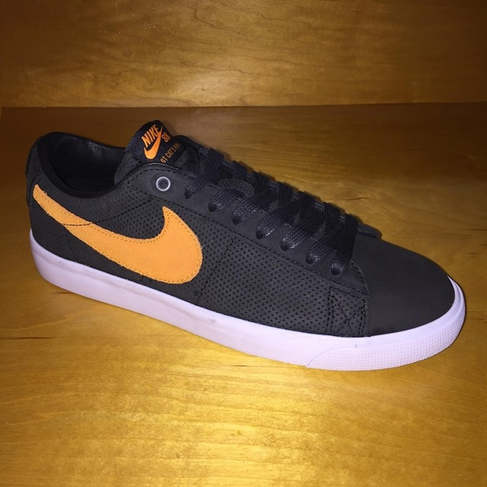 Zoom Blazer Low GT QS